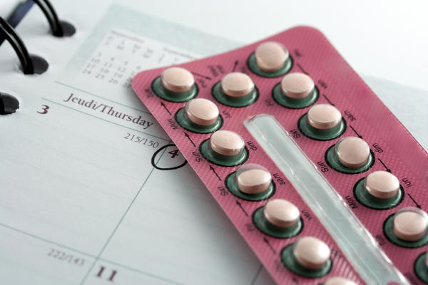 Which herbal supplements can hinder birthcontrol?