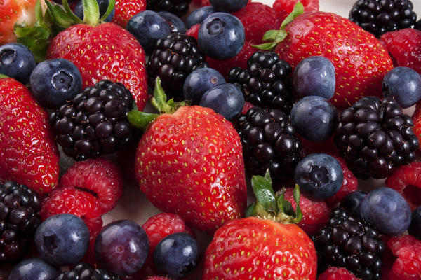 What are the benefits of eating blueberries?