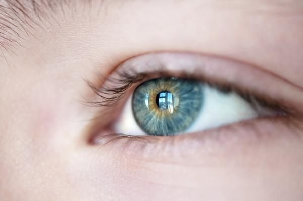 How can I tell if I have a corneal abrasion?