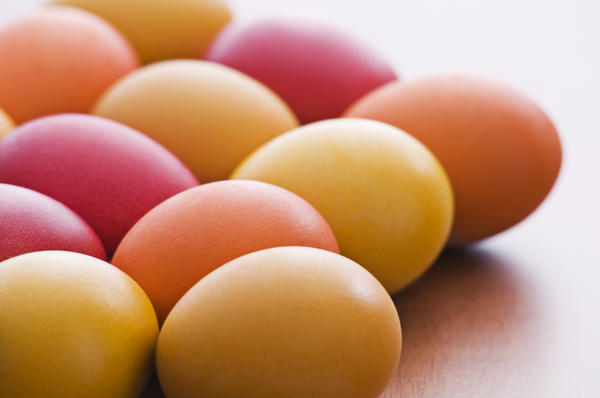 What are all the nutrients present in a hard boiled egg?