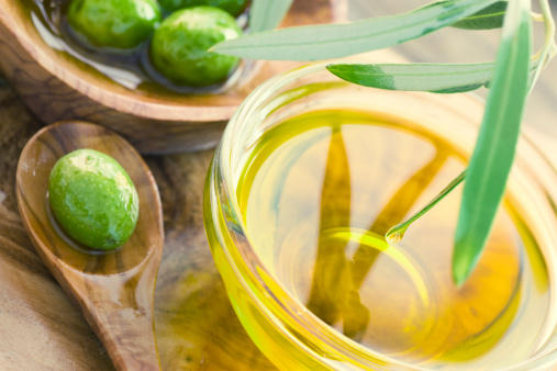 Can olive leaf extract help with herpes.?