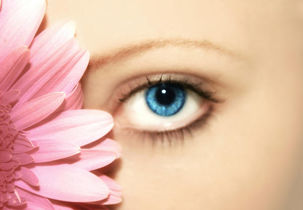 What are the natural remedies for eye infection?