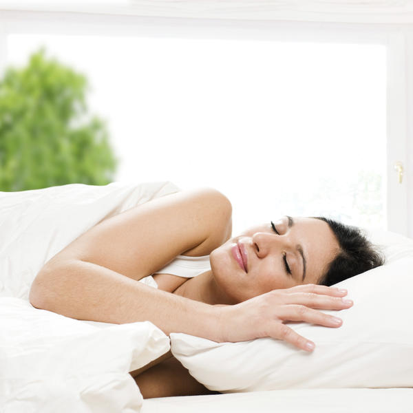 Is it safe to sleep on polyester sheets?