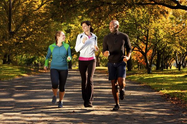 Are there any good ways to prevent ear ache while jogging?