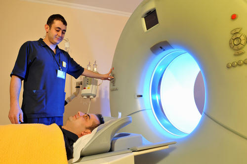Could you have a myocardial perfusion scan after a cataract operation?