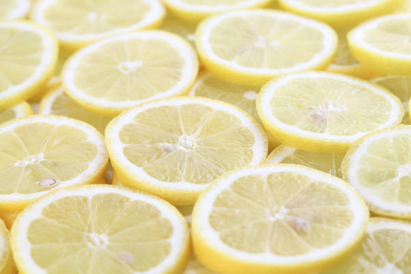 Is there any side effect of using lemon juice on face daily?