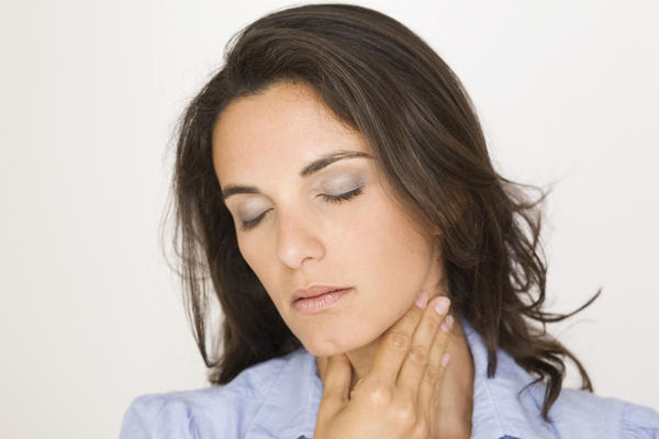 Is sore throat pain felt in the inside of the bottom of the neck?