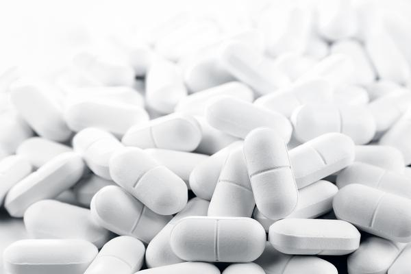 Can you take glucosamine with calcium supplements?