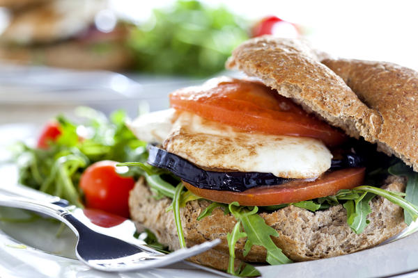 What is a healthy sandwich to make at home when you don't feel like cooking ?