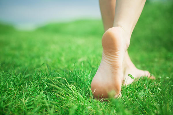 When I am walking barefoot, i walk on my tiptoes. Have you heard of foot drop in a nineteen year old?