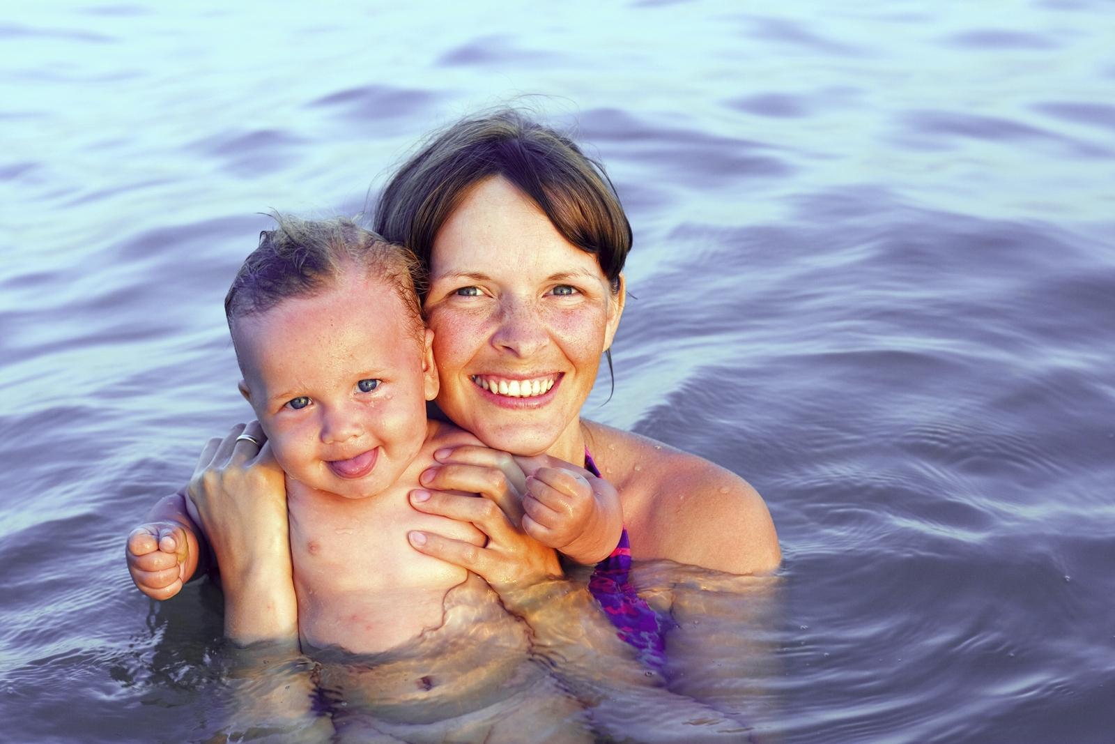 Рассказ секс мамы с сыном на отдыхе, Инцест - Эротический рассказ 8 фотография