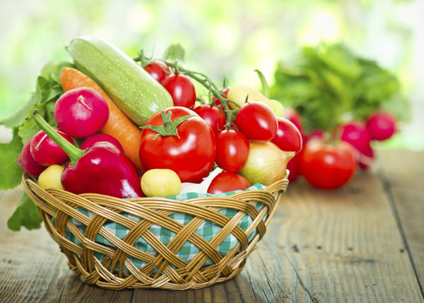 Can anyone suggest me a good nutritious diet for being healthy?