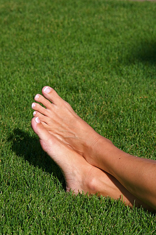 Does 'athletes foot' peel during the healing process?