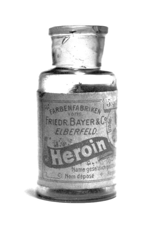 What are the negative effects of heroin?