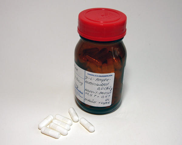 Is phentermine an amphetamine?