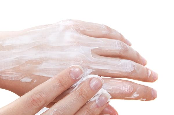 What is the best way to treat Dyshidrosis Eczema over the counter?