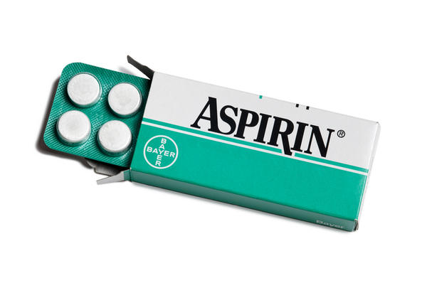 Can aspirin allergy cause swelling to break out?