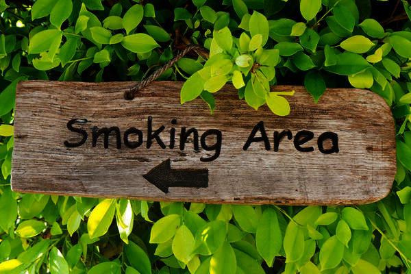 Can short term exposure to cigarette smoke cause eye cancer?