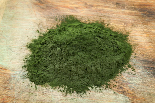 Can you mix spirulina and wheat grass powder?
