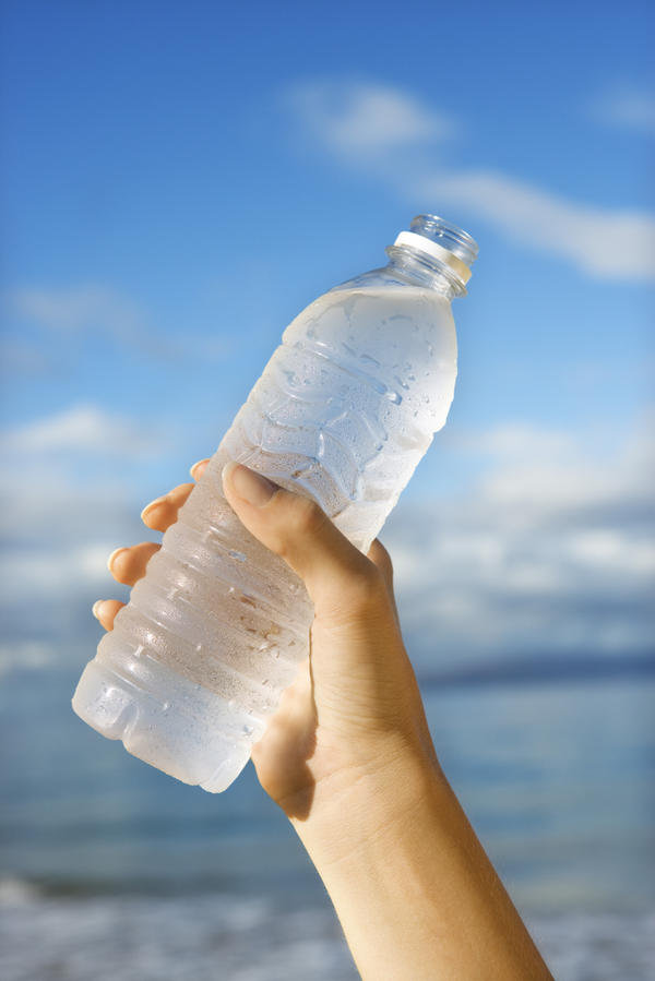 What are the symptoms of dehydration in summer?