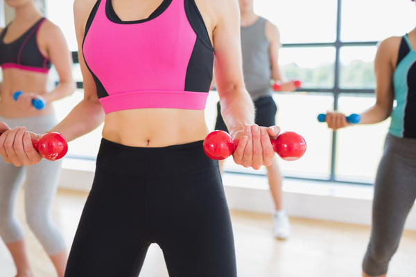 What is the differences between a personal and fitness instructors?