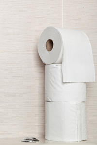 What could cause bloo on toilet paper when wiping after a bowel movement?