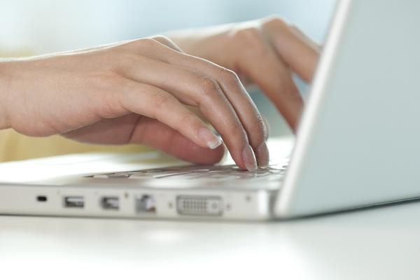 How can you tell the difference between repetitive strain injury or carpal tunnel?