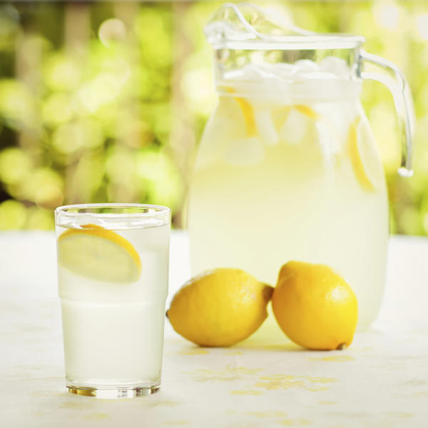 Can I take levothyroxine with lemon water?