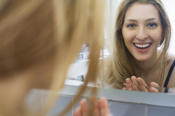 What exactly is body dysmorphic disorder and what are the symptoms?