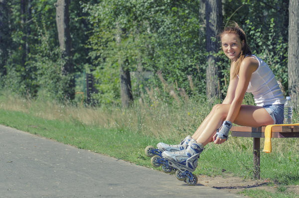 What parts of the body does rollerblading work out?