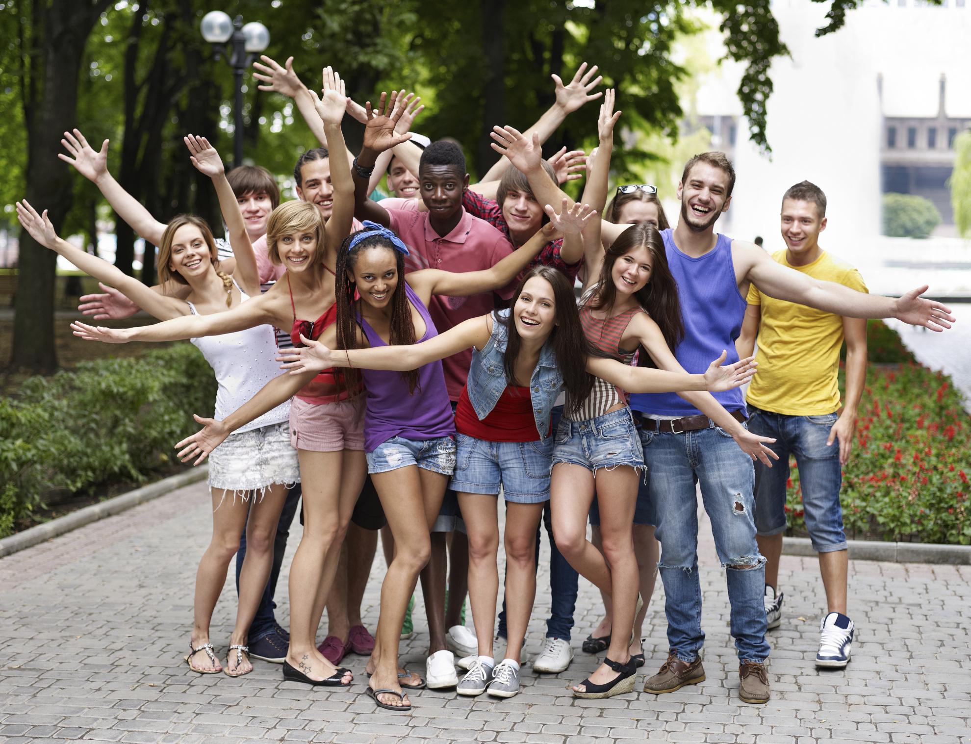 видео отдыхающей русской молодежи двенадцать лет