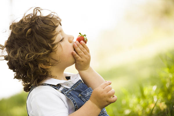 How can I get  a 7 year old to start eating properly?