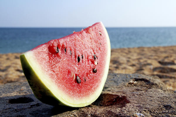 Can a person on low residue diet b/c of diverticulitis eat watermelon?