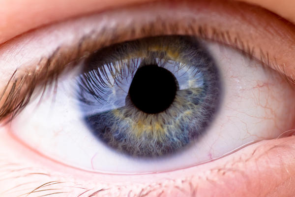 When allergy eye drops dilated pupils, does it damage the eye?