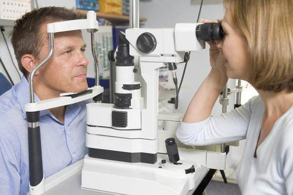 Age-related_macular_degeneration