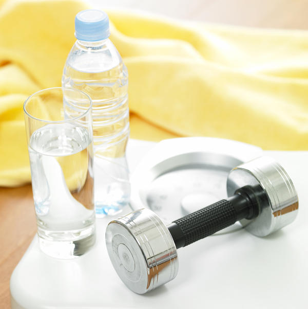 I'm trying to lose weight by drinking water. Do plastic water bottles and sports bottles have bpa in them? What can I drink out of to lose weight?