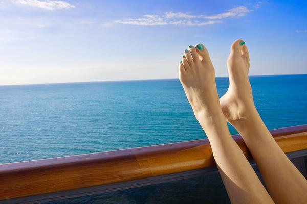 Can nail polish destroy toenails?