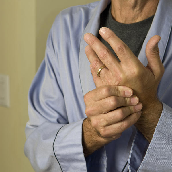 What's the difference between rheumatoid and degenerative arthritis?