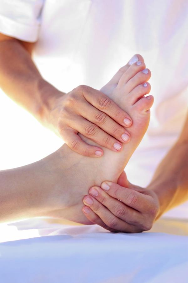 What are the symptoms of peripheral neuropathy? How do I know if I have it?