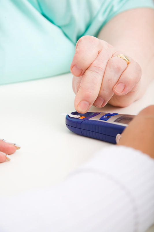 Can hypercalcemia and hyperglycemia be found on the same test?