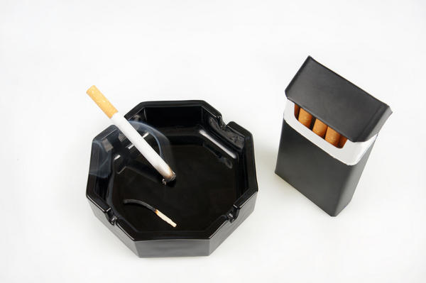Can smoking and drinking cause an increase in a pituitary gland tumour size?