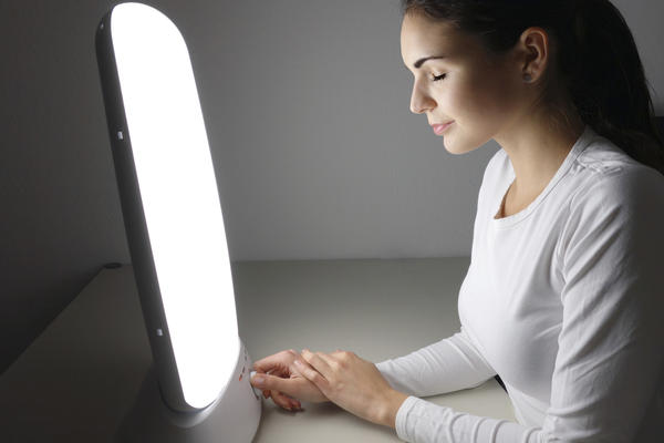 How do I do light therapy for psoriasis at home?