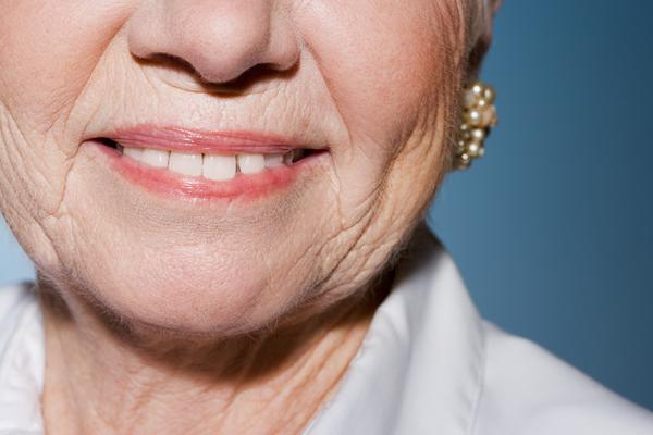 Can chewing gum help tighten your double chin?