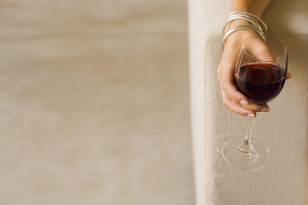 Does alcohol withdrawal cause loss of appetite?