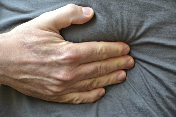 Can you recommend acupressure points to relieve colon pain?