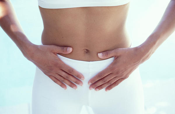 What can cause severe pain in the lower abdomen?