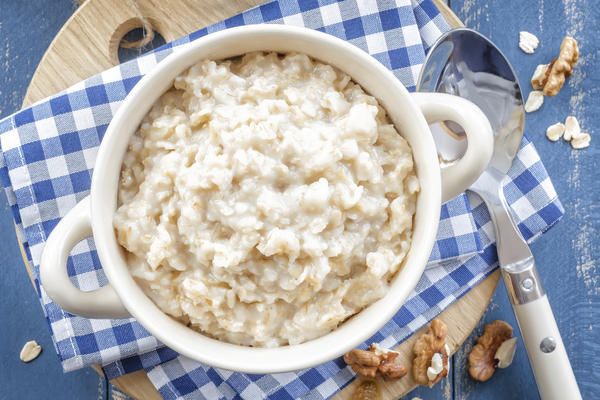 Does Oatmeal in water help lower cholesterol?