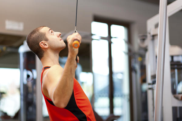What is better between weight lifting and calisthenics?
