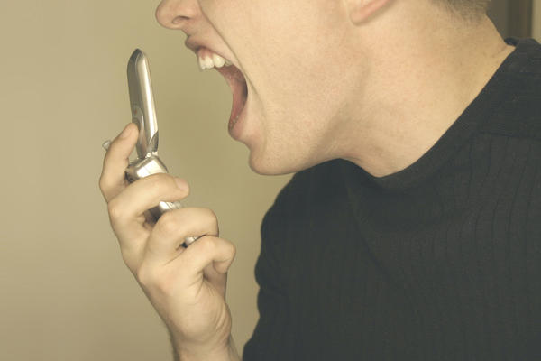 Is prolonged anger with verbal abuse part of bipolar disorder?