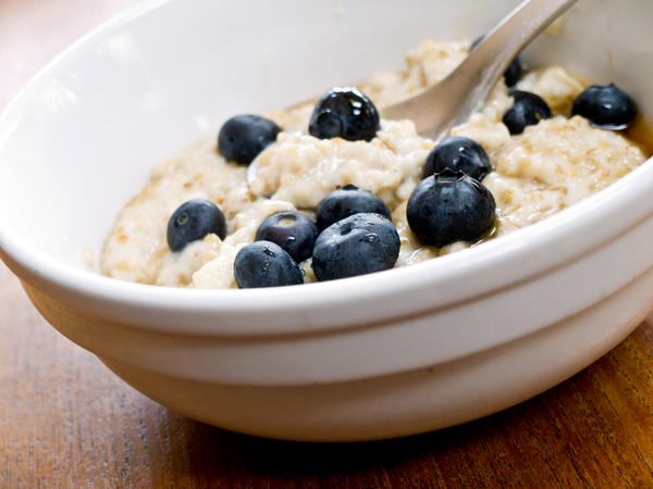 What does a healthy breakfast contain ?